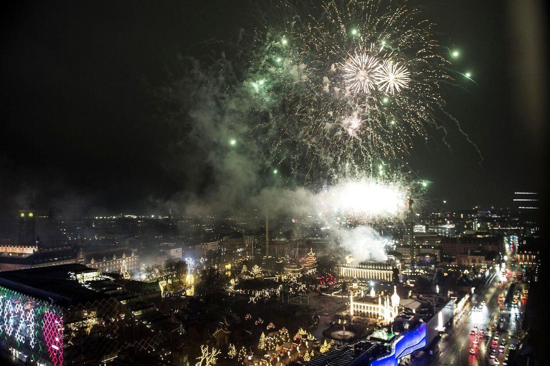 Fyrværkeri fra Tivoli over København.