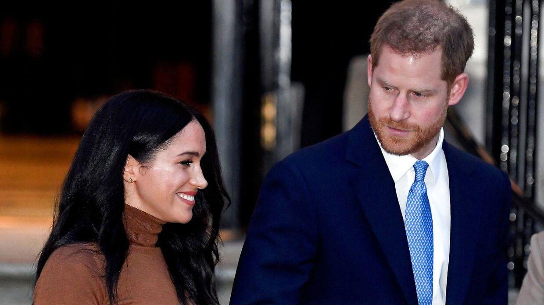 Ifølge forfatteren Angela Levin så er Meghan Markle blomstret op i Californien, mens prins Harry er visnet.
