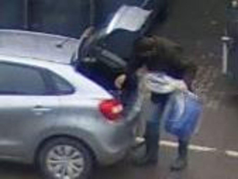 Et af billederne fra overvågningsvideoen. Foto. Politiet.