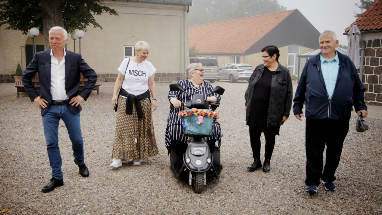 Gensyn med vennerne fra 'Livet er fedt – 20 år efter'. Det er fra venstre Ole Kolster fra TV 2, Line Lauersen, Marianne Klüver, Merethe Kasten og Allan Petersen.