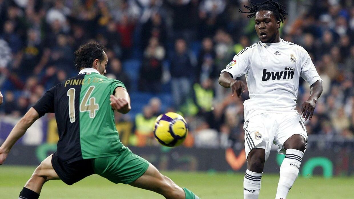 Royston Drenthe (th.) i kamp for Real Madrid i 2009.