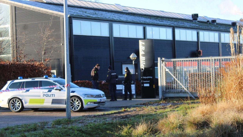 Politiet undersøger tirsdag formiddag et industriområde i Roskilde, hvor der muligvis har fundet en frihedsberøvelse sted.
