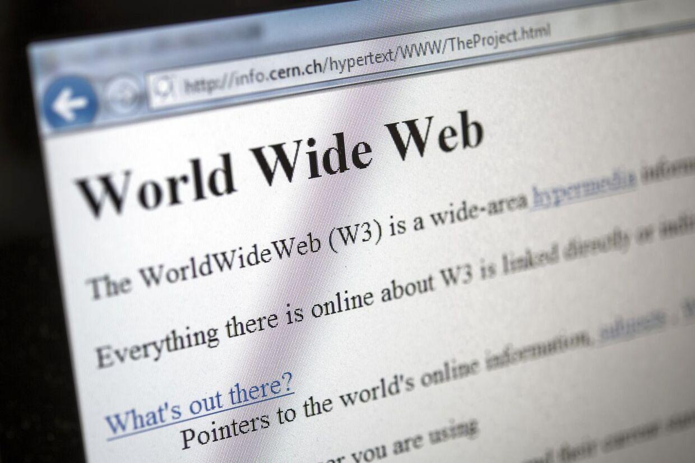 Her ses en kopi af den første side, der blev lavet som en www-side.