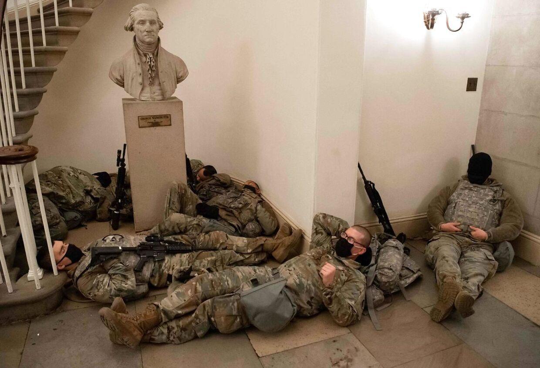 Soldater fra Nationalgarden har fundet et hvilested i Kongressen.