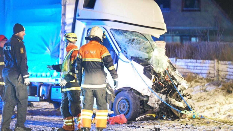 En person blev livsfarligt kvæstet i en alvorlig trafikulykke ved Hanstholm onsdag aften.