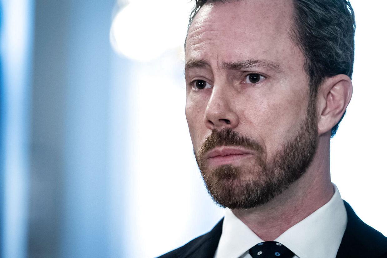 Venstre er splittet. Jakob Ellemann-Jensen stemmer for rigsretssag, men det gør ni af hans partifæller ikke.