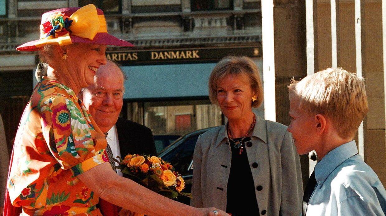 Mange danskere har efterhånden hilst på Dronningen gennem tiden.