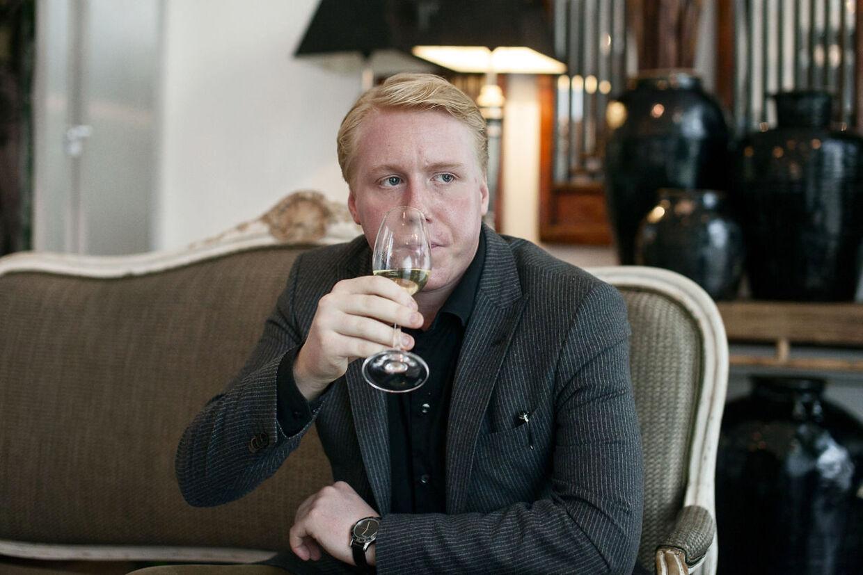 Efter flere domme for spirituskørsel er Mads Dinesen nu kommet i behandling for sit alkoholforbrug. Nu er han nede på 100 genstande om ugen.
