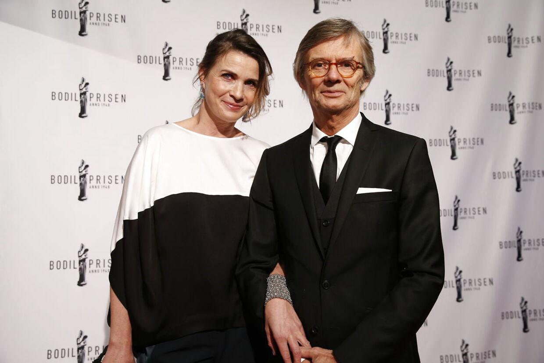 Bille August med sin kone Sara-Marie Maltha på vej ind til uddelingen af Bodilprisen 2015 på Bremen Teatret i København.