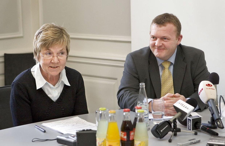 - Politik handler først og fremmest om holdninger. Og de kan samle og skille. Men det handler også om mennesker. Og nogle mennesker kan - på trods af holdningsforskelle - samle og bygge bro. En af dem er Marianne Jelved, som jeg personligt sætter meget højt, siger Lars Løkke Rasmussen om den nye kulturminister.