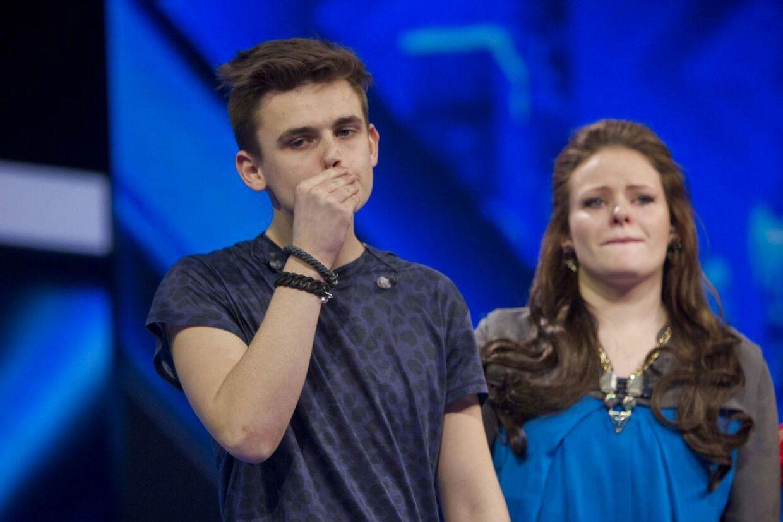 Begge Lina Rafns unge deltagere havnede i omsang til 2. liveshow, og derfor valgte Lina at sende 17-årige Mathias ud og beholde Fie.