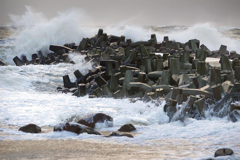 Der ventes storm med vindstød af orkanstyrke fredag.
