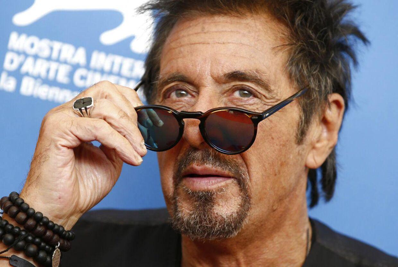 Den amerikanske stjerneskuespiller Al Pacino har meldt afbud til et projekt på Aveny-T og Aarhus Teater, fordi forfatteren til stykket sympatiserede med nazismen.