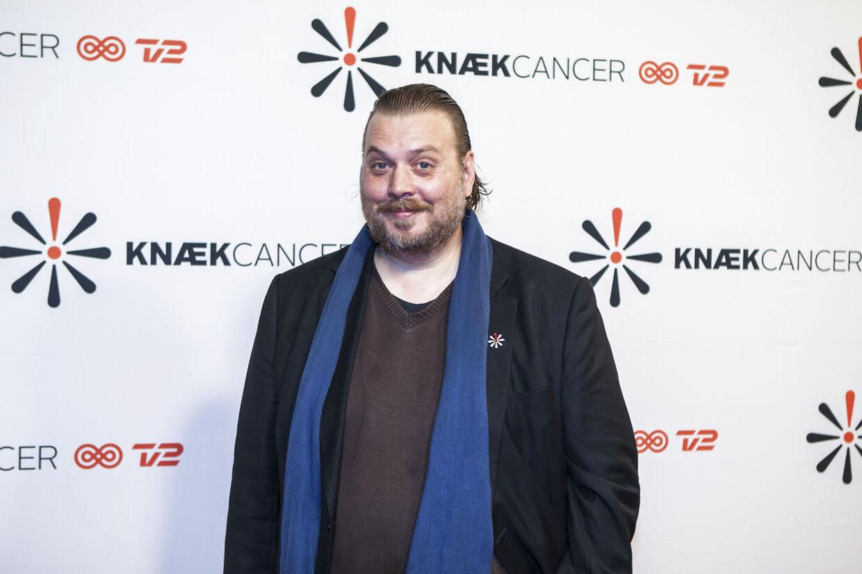 Nicolas Bro deltog i lørdagens 'Knæk Cancer'-show på TV2. Søndag aften er han tilbage i rollen som Monrad i '1864' på DR1.