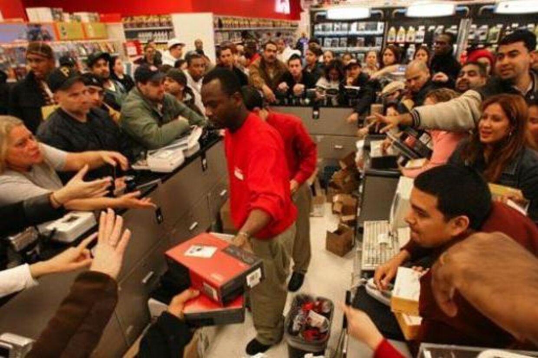 I dag er dagen, hvor der bliver solgt allerflest gadgets på hele året i USA. Det er sorte fredag, årets største udsalgsdag.