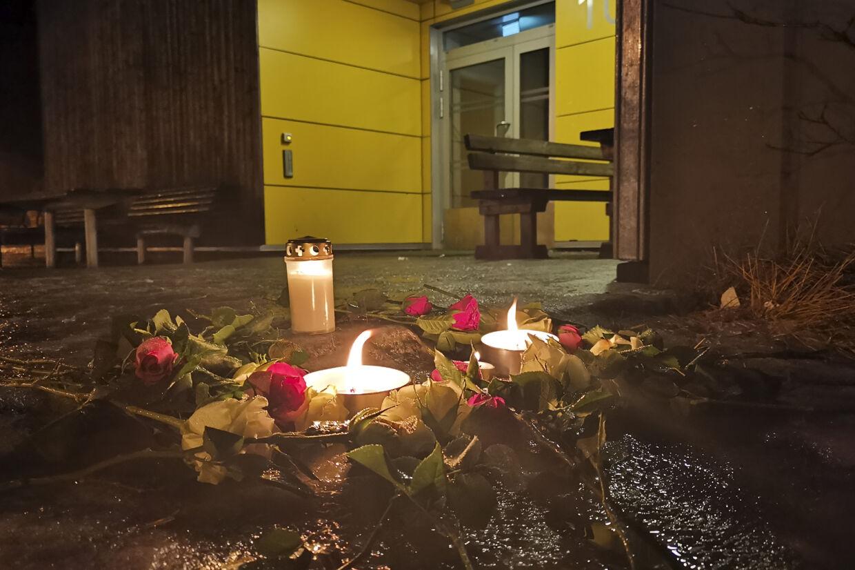 Norske redningsarbejdere har fundet to personer omkommet efter en hyttebrand i Andøy på den norske øgruppe Vesterålen nord for Lofoten. Politiet siger, at de omkomne blev fundet natten til søndag. De er ikke identificeret. Aidem Media/Ritzau Scanpix