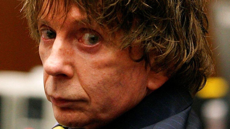 Phil Spector døde af komplikationer af coronavirussen.