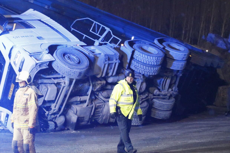 Den væltede lastvogn.