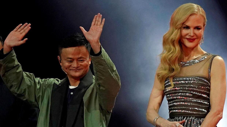 Jack Ma er efterhånden en international superstjerne. Her ses han med skuespillerinden Nicole Kidman i forbindelse med et show hos Alibaba.