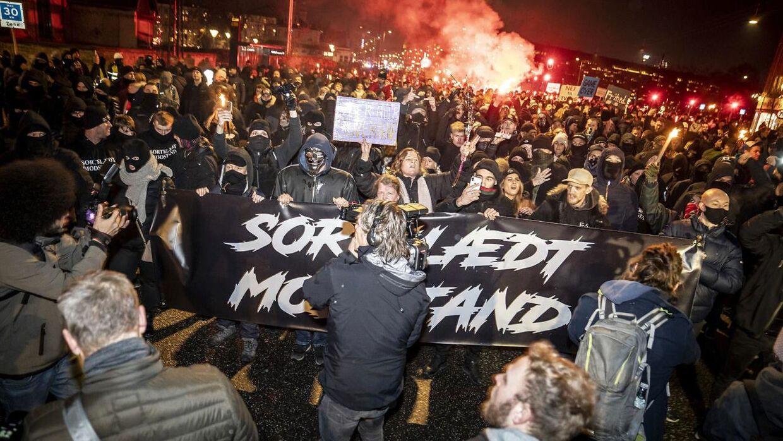 Gruppen Men in Black afholder demonstration i København, lørdag den 23. januar 2021.