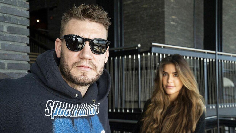 Nicklas Bendtner og Philine Roepstorff er fortsat i Dubai.