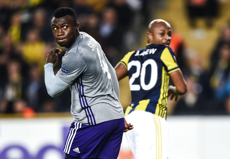 Bubacarr Sanneh (tv.) bliver lejet ud fra Anderlecht til AGF.