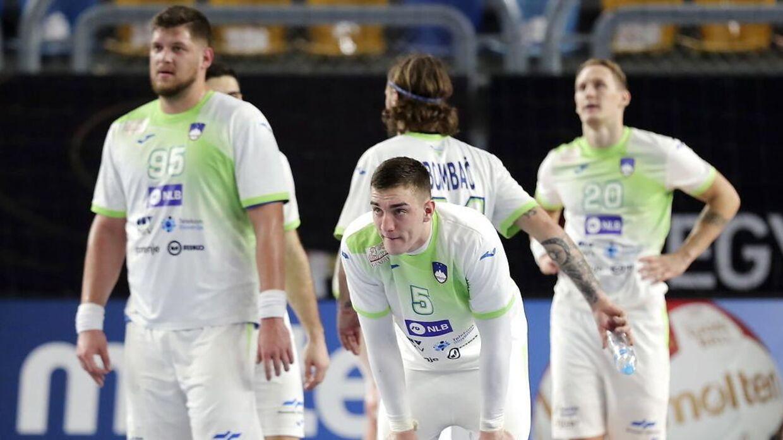 Et sygdomsramt slovensk landshold spillede 25-25 mod Egypten og missede dermed muligheden for at gå videre til kvartfinalen.