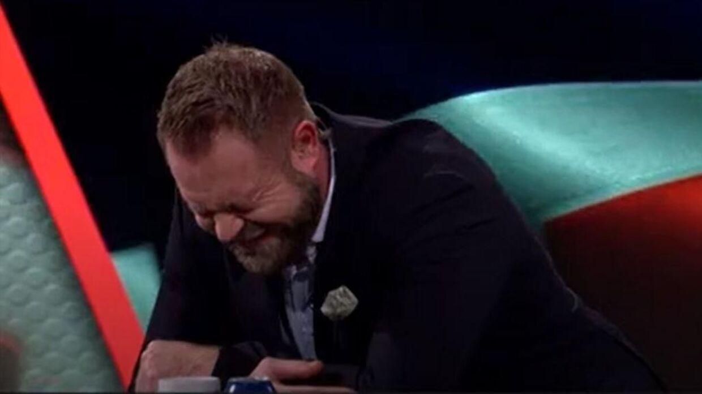 Joachim Boldsen knækkede sammen af grin, da Ole Erevik var igennem.