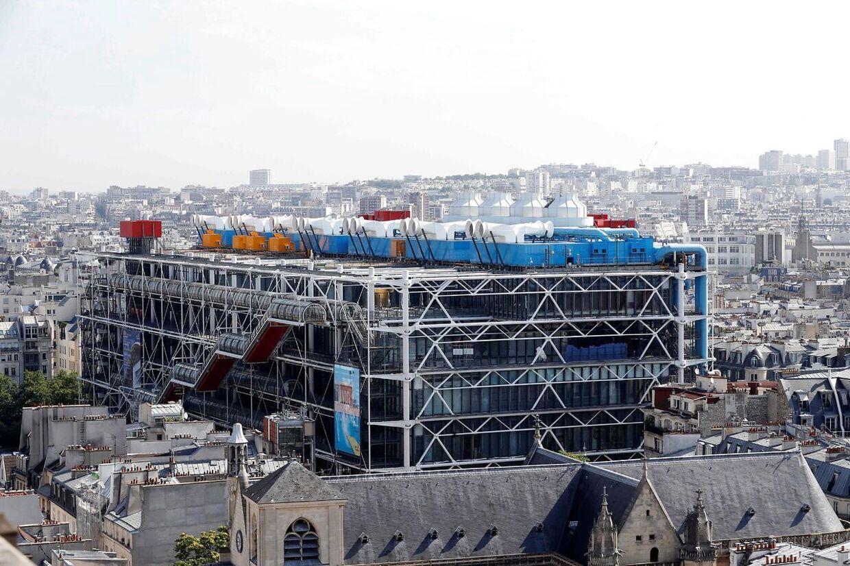 Pompidoucentret i Paris skal lukkes helt i fire år frem til dets 50 års jubilæum i 2027.