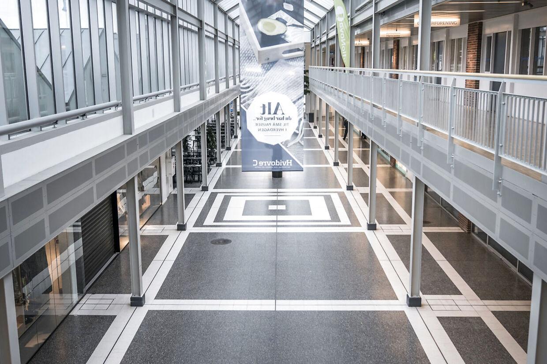 Restriktionerne og et lukket samfund virker, fortæller professor ved Hvidovre Hospital, Thomas Benfield. Presset på hospitalerne aftager. (Foto: Thomas Lekfeldt)