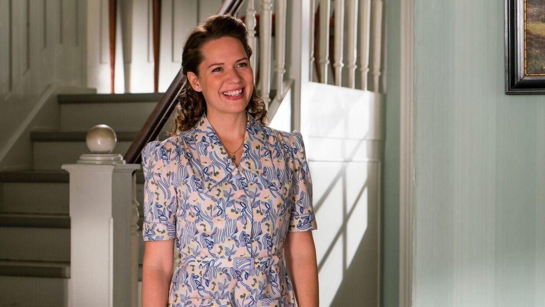 Amalie Dollerup som Amanda Madsen.