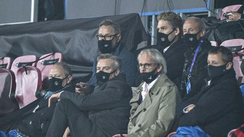 FC Midtjyllands ledelse har fået en anmodning om at lade Mönchengladbach spille sin kamp mod Manchester City på MCH Arena.