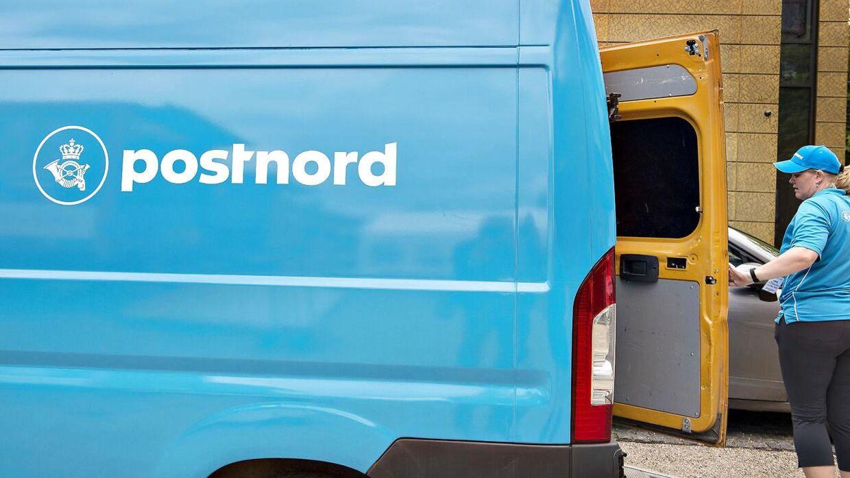 PostNord vil til at køre ud med pakker om søndagen.