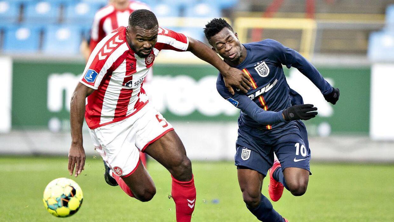Okore er på vej til kinesisk fodbold.