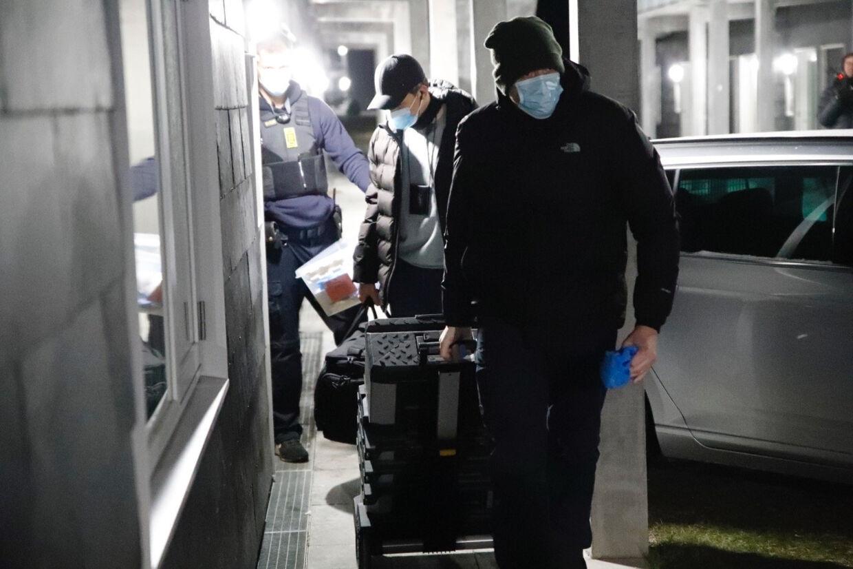 Kriminalteknikere blev set ved to adresser i Holbæk i weekenden. Presse-Fotos.dk/Ritzau Scanpix