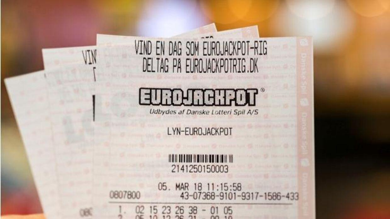 Eurojackpottallene trækkes hver fredag.