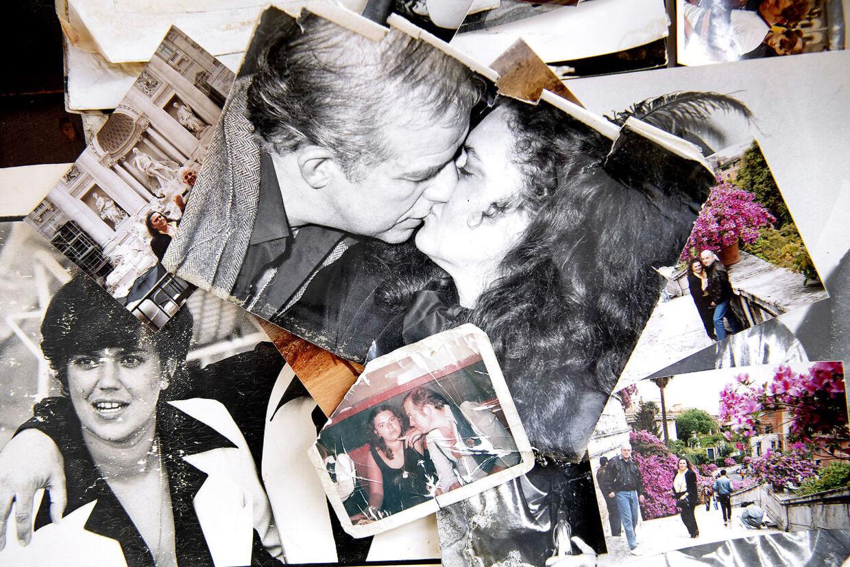 I stuen på Frederiksberg har Kurt Thyboe en masse fotos liggende af ham og Marianne gennem tiden.