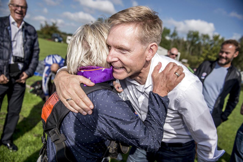 Forholdet mellem partistifter Pia Kjærsgaard og Kristian Thulesen Dahl er i dag noget mere afmålt end på dette to år gamle billede. (Foto: Mads Claus Rasmussen/Ritzau Scanpix)