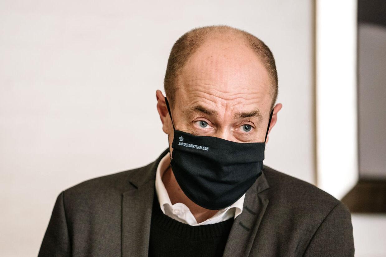 Sundhedsminister Magnus Heunicke ankommer til åbent samråd. Sundhedsminister Magnus Heunicke (S) er i samråd om anvendelse af smitteopsporing via spildevand til bekæmpelse af covid-19 tirsdag den 9. februar 2021