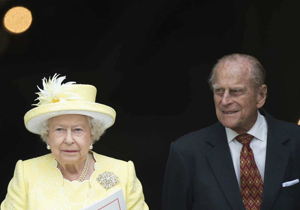 epa08928542 (FILE) - Britain's Queen Elizabeth II (L) and Prince Philip, The Duke of Edinburg, leave St. Paul's Cathedral in London, Britain, 10 June 2016 (reissued 09 January 2021). According to Buckingham palace, the royal couple have received vaccinations against COVID-19. EPA/FACUNDO ARRIZABALAGA *** Local Caption *** 53893774