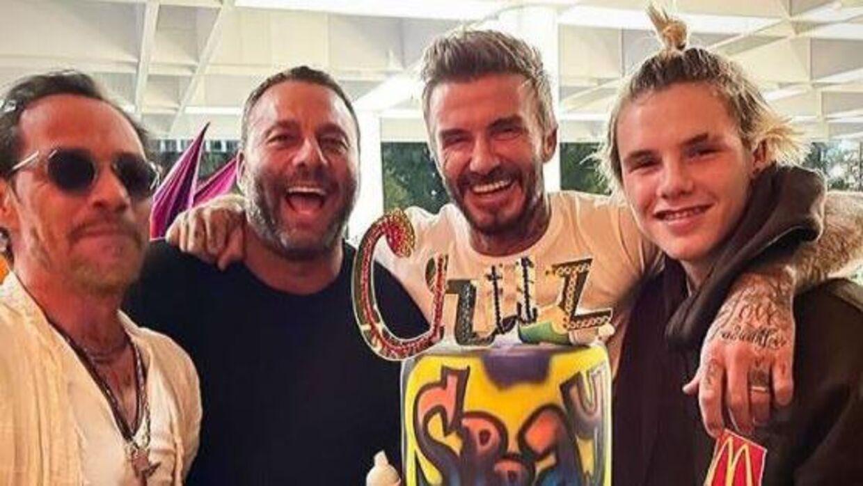 David Beckham og hans søn Cruz droppede maskerne under fødselsdagsfejring.
