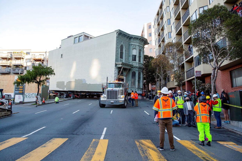 Huset skulle rundt om hjørner i San Franciscos smalle gader.