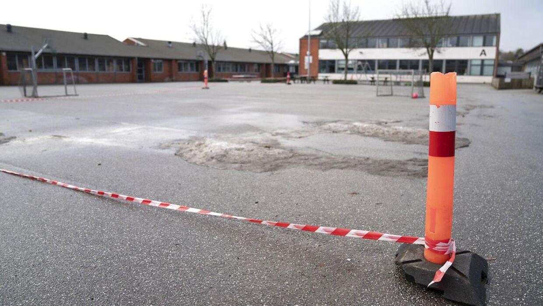 Skolen er lige nu lukket af kommunen.