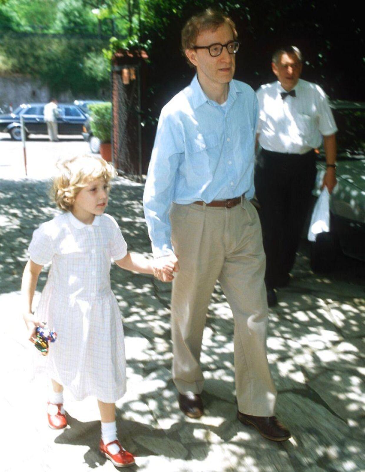 Woody Allen med adoptivdatteren Dylan Farrow.