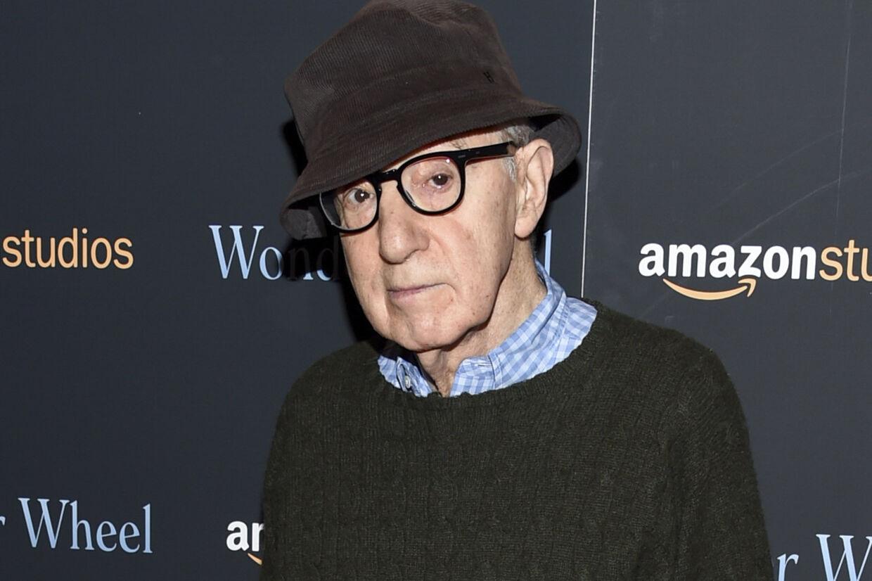 Woody Allen og hans kone, Soon-Yi Previn, tager skarpt afstand fra en ny dokumentar på HBO om årtier gamle beskyldninger om, at den Oscar-vindende filmskaber misbrugte sin adoptivdatter. Evan Agostini/Ritzau Scanpix