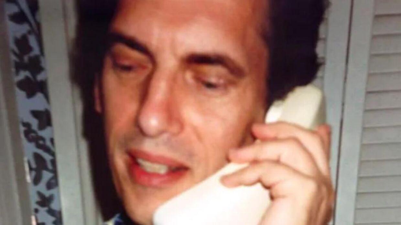 Allan Bridge startede 'The Apology-line' i 1980, og senere blev han nærmest besant af projektet.