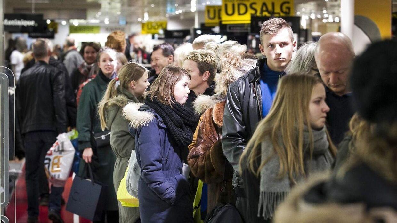 Sådan så det ud 27. december 2013 i Aarhus, da danskere byttede julegaver. Samme scener ser vi formentlig ikke i år.