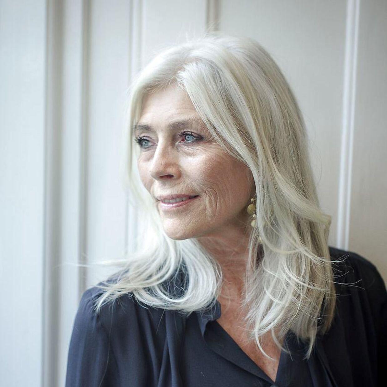 70-årige Gun-Britt Zeller håber, hun ser mod lysere tider.