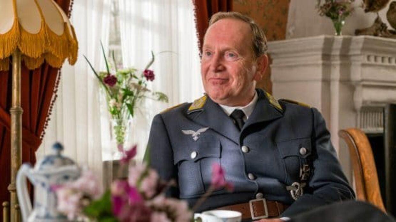 Den tyske oberst Otto Fuchs spilles af den tyske skuespiller Joachim Kappl.