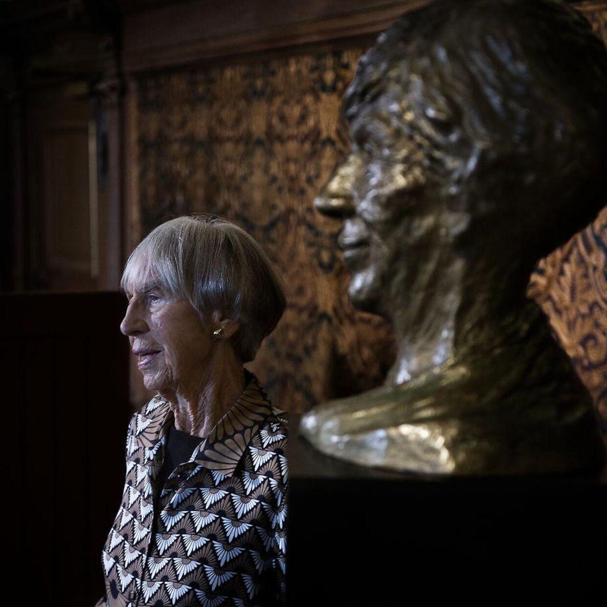 Lise Nørgaard, da en buste af hende blev afsløret på Nationalmuseet i 2017.